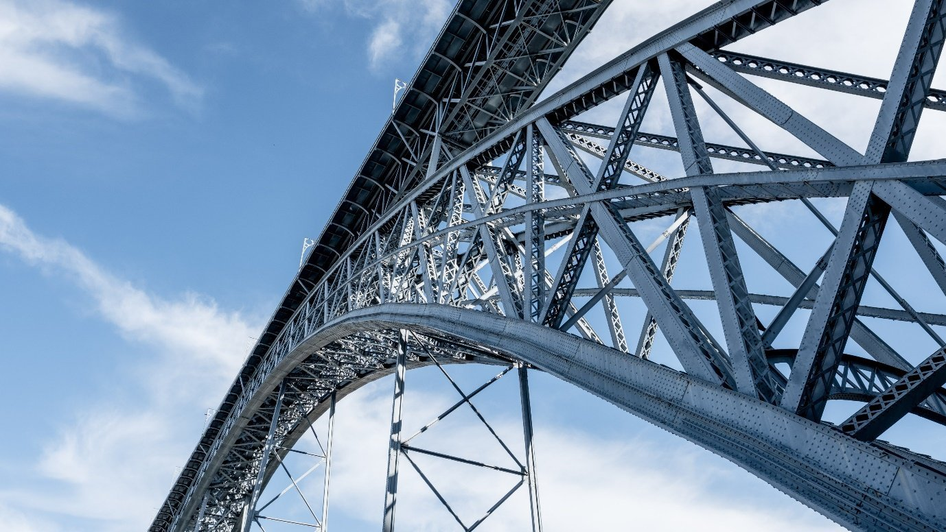 A close-up of a steel bridge  Description automatically generated with low confidence
